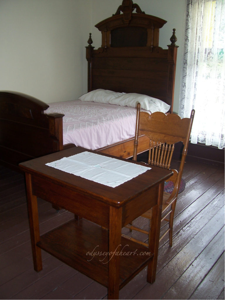 Thomas Wolfe's bed, desk and chair